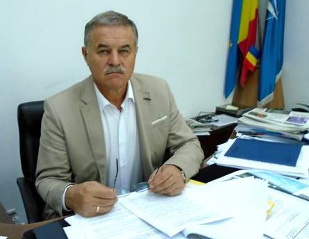 Vicepreședintele CJ Viorel Seredenciuc transmite sucevenilor din străinătate că dacă vor veni acasă de Paște vor fi plasaţi automat în carantină. Apel către proprietarii de pensiuni și hoteluri să pună la dispoziție spații pentru carantină