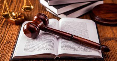 """""""Șopteala"""" și """"Vesta de blugi"""", metodele cu care se frauda proba teoretică la examenul pentru permis la Suceava. 34 de inculpați trimiși în judecată în dosarul privind corupția legată de eliberarea de permise de conducere de către Serviciului Public Comunitar Regim Permise de Conducere și Înmatriculare a Vehiculelor Suceava"""