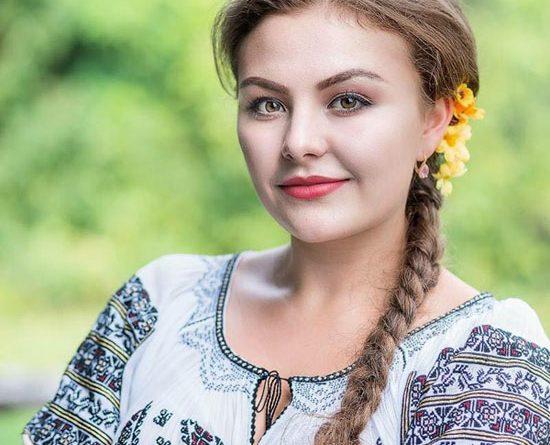 Alexandra Dan – am început să cânt înainte de a învăţa să vorbesc. Putneanca calificată în finala VEDETA POPULARĂ
