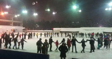 Pe  28 februarie Patinoarul din Areni își închide porțile, a anunțat viceprimarul Lucian Harșovschi. În acest sezon au fost vândute 13.228 bilete, încasându-se 75.193 lei