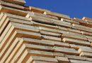 Transport ilegal de lemn depistat de polițiști la Vadu Moldovei. 12 metri cubi de cherestea și autocamionul Volvo în valoare de 60.000 de euro au fost confiscate