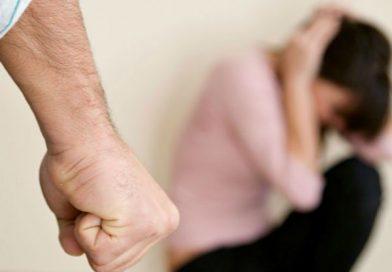 Concubin recalcitrant, separat cu ordin de protecție de partenera de viață, mamă a șase copii, agresată când bărbatul se întoarce beat acasă