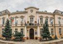 Război politic fratricid la Primăria Rădăuți.  Viceprimarul Bogdan Loghin,  exclus din PSD. Manifestări de sprijin, decizii ale primarului Nistor Tătar împotriva adunărilor publice, el însuși chemat să justifice bani cheltuiți nechibzuit