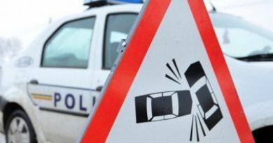 O șoferiță din Vicovu de Jos a pierdut controlul volanului, a intrat pe contrasens și s-a izbit în mașina care venea din față