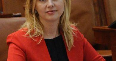 """Deputatul PSD  de Suceava dr. Maricela Cobuz, îndemn la susținerea candidatului Viorica Dăncilă pentru președinția României: """"Va respecta cetățenii, va aduce o schimbare în  România, fiind primul președinte femeie"""""""