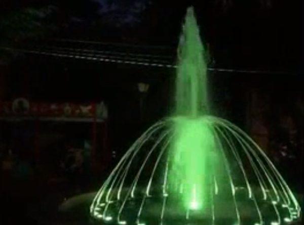 Marian Andronache: sucevenii vor putea admira din această seară jocurile de apă și de lumini la fântânile arteziene din Parcul Central al Sucevei