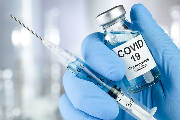 Cum se pot programa pentru vaccinarea antiCovid persoanele cu afecțiuni cronice? STS: peste 200.000 de persoane din etapa a II-a, programate pentru vaccinare, metode de programare