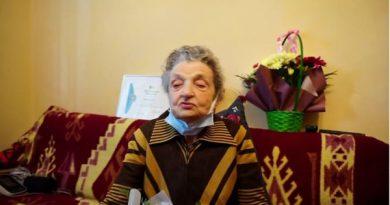 Municipalitatea rădăuțeană a sărbătorit-o astăzi pe Elisaveta Cîrdei, care a împlinit 100 de ani
