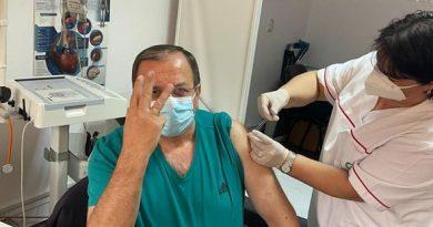 Președintele Consiliului Județean Gheorghe Flutur s-a vaccinat anticovid cu a treia doză Pfizer-BioNTech